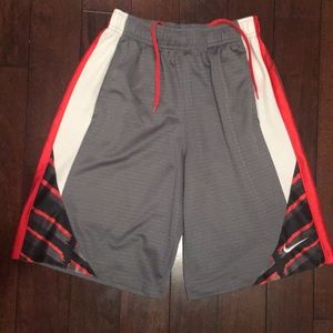 Nike Bottoms - Boys sz M multi color Basketball shorts